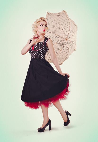 manuel-tarquini-pinup-style-shooting-umbrella