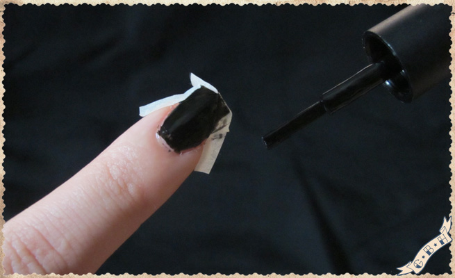 vampire-witch-blackcat-werewolf-monster-manicure-step3